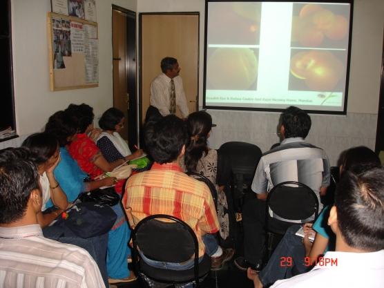 Dr. Vatsal Parikh giving lecture to post graduates at Drushti